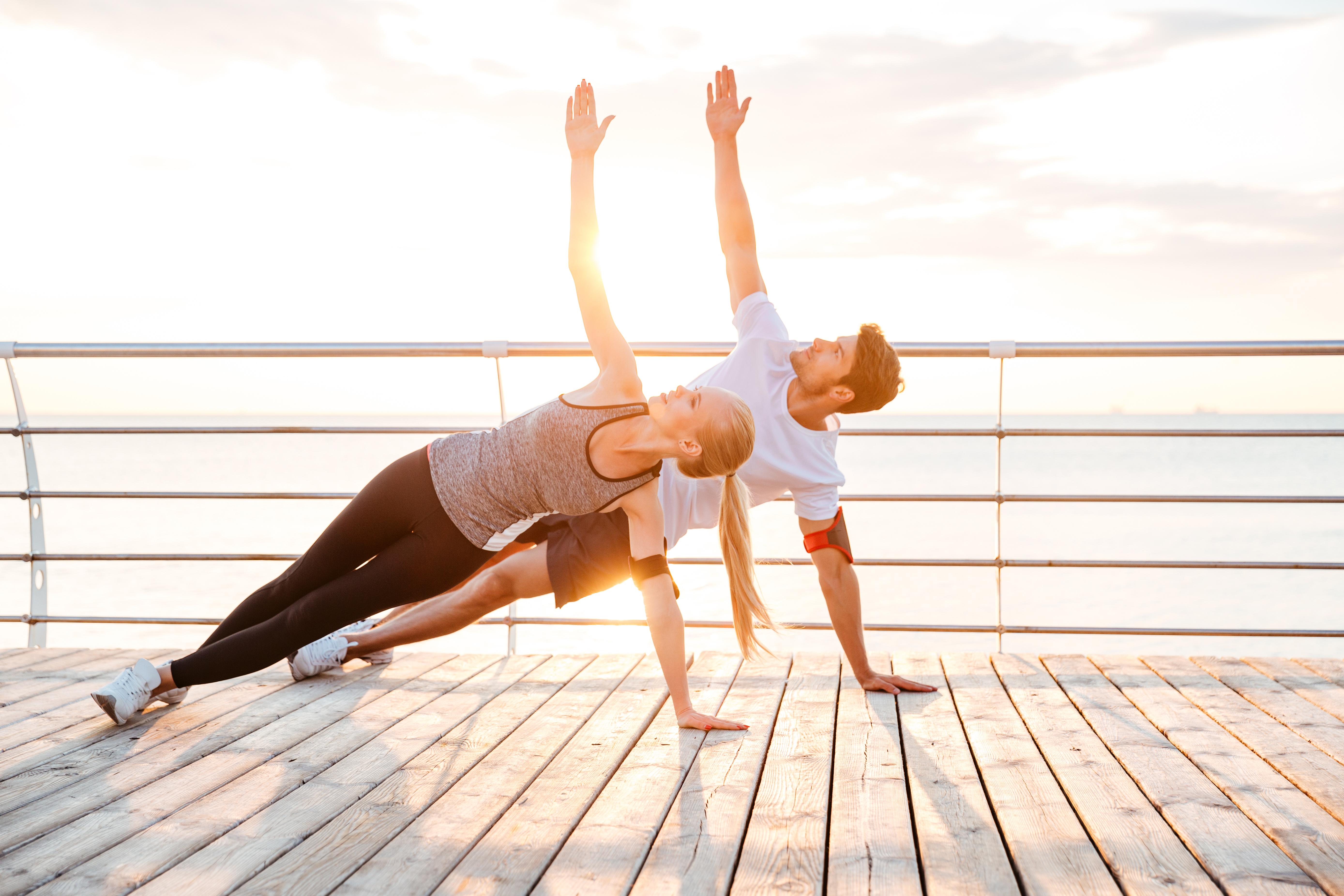 couple_doing_yoga